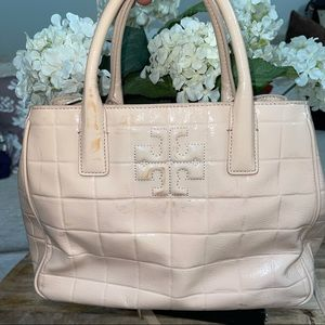 TORY BURCH MARION QUILTED PATENT LEATHER TOTE